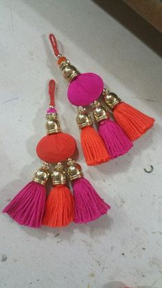 Fancy Jewellery, Thread Jewellery, Kurti Neck Designs, Blouse Designs, Diy Dress, Blouse Dress, Rakhi Design, Saree Tassels, Cool Paper Crafts