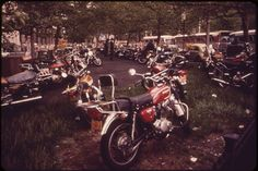 Designated motorcycle parking (near BatteryParkK for downtown office workers....32 Photos Of New York City In 1973