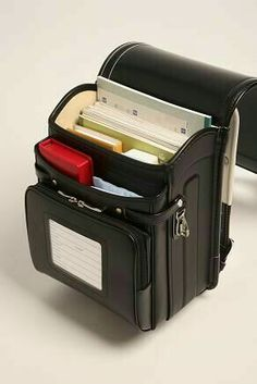 randoseru Source by TaressaMarie Bags Leather Bags Handmade, Leather Craft, Backpack Bags, Leather Backpack, Japanese School Bag, Kawaii Bags, Sacs Design, Cute Backpacks, Teen Backpacks