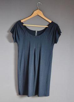 Kup mój przedmiot na #vintedpl http://www.vinted.pl/damska-odziez/krotkie-sukienki/10942252-luzna-granatowa-sukienka-z-suwakiem