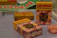 Leijona-pastilleja alettiin valmistaa 1930-luvun alussa, ja ne saivat nimensä Jalanderin Helsingissä omistaman Leijona-apteekin mukaan. Luuppi, Oulu (Finland) Good Old Times, My Childhood Memories, Long Time Ago, Finland, Old School, Retro Vintage, Nostalgia, The Past, Old Things