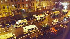 Mittwoch, 13.01., 22.00 Uhr – Friedrichshain, Proskauer Straße: Die Polizei rückt an. © Milena Zwerenz