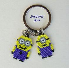 """Portachiavi """"Minions"""" realizzato con perline delica, by Sisters Art, in vendita…"""
