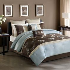 Tory Comforter Set - BedBathandBeyond.com // I want this set for my bedroom (2sday)