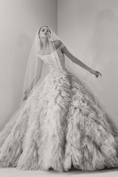 See new Elie Saab wedding dresses from the Fall 2017 bridal collection. Elie Saab Bridal, 2017 Bridal, Bridal Gowns, Wedding Gowns, 2017 Wedding, Ball Dresses, Ball Gowns, Club Dresses, Glamour