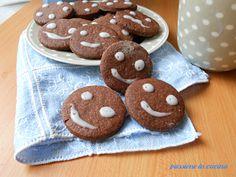http://blog.giallozafferano.it/cuinalory/biscotti-faccine-al-cioccolato/