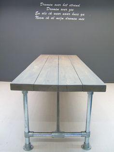 NIEUW Tafel nieuwe balken (7,5x24cm) steigerbuis met greywash (2562013) | Tafels met steigerbuis | JORG`S Houten Meubelen