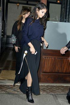 selena-gomez-style-blue-blouse-black-skirt-boots