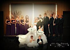<3 Classic Bridal Party Pictures