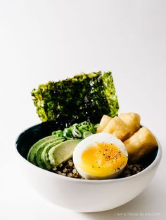 quinoa breakfast bowl recipe - www.iamafoodblog.com