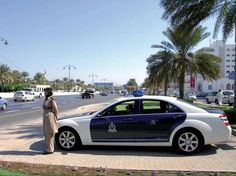 Mercedes Benz S Class / Royal Oman Police Police Cars, Police Vehicles, Benz S Class, Ferrari 458, Sheriff, Mercedes Benz, World, Countries, Federal