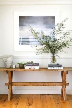 Beautiful Entry Table Decor Ideas to give some inspiration on updating your . Beautiful Entry Table Decor Ideas to give some inspiration on updating your house or adding fre Foyer Design, House Design, Lobby Design, Decoration Chic, Decoration Inspiration, Decor Ideas, Room Ideas, Foyer Decorating, Interior Decorating