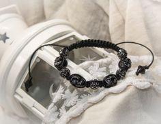 Black porcelain skulls and shamballa beads unisex by CrazySmykker, kr150.00