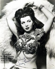 Sherry Britton burlesque dancer 1940's #dance #dancer #hair #costume #period #1940s #photograph #photography #cabaret