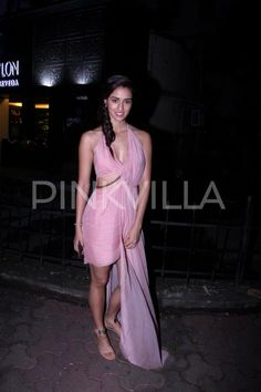 Disha Patani looks a stunner as she gets snapped in the city!