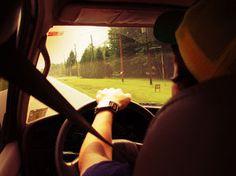 auta i części do samochdów: Młody kierowca
