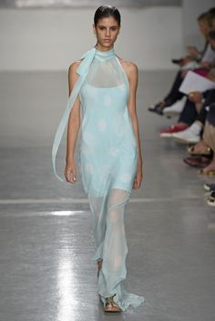 Richard Nicoll RTW Spring 2015 - Slideshow - Runway, Fashion Week, Fashion Shows, Reviews and Fashion Images - WWD.com