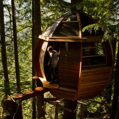 Hemloft tree house by Joel Allen