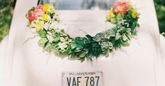 DIY Wedding Getaway Garland - Find the best 'How To' DIY Wedding Projects at OnceWed.com #cargarland #diygarland #diywedding