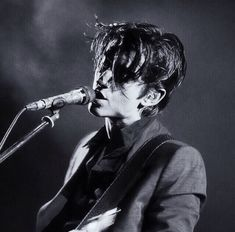 Listen the Arctic Monkeys @ Iomoio Alex Arctic Monkeys, Sheffield, Catfish & The Bottlemen, The Last Shadow Puppets, Most Beautiful Man, Indie, People, Black And White, Alex Turner Cute
