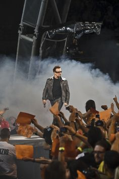 U2 360 Tour...vip passes + front row seats = awesome:)