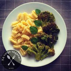 Ką valgo veganai?: Česnakiniai brokoliai