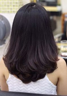 Super Ideas for hair layered long brunette Medium Hair Cuts, Medium Hair Styles, Curly Hair Styles, Thick Long Hair Styles, Medium Layered Hair, Medium Long Hair, Short Styles, Haircuts For Long Hair, Cool Hairstyles