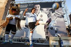 Feels good to see a Mexican in a big European team, and he's from Guadalajara too :) Valencia, Feel Good, Feels, Soccer, Big, My Style, Summary, The Little Prince, Guadalajara