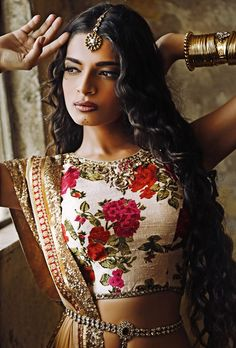 Indian boho style - Sapana Amin - Bohemian Rani | http://sapanaamin.com/collections/bohemian-rani-festive-collection-2013/