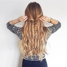 Fishtail braid kinda Sunday How are you wearing your hair today? @zane_jurjane is wearing her Dirty Blonde #luxyhair extensions for thickness