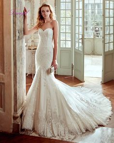 Dreagel Glamorous Lace Appliques Chapel Train Mermaid Wedding Dress 2017 New Arrival Sexy Strapless Wedding Gown Robe De Mariage