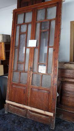 . Se vende puerta cristalera antigua en buen estado valor de nueva aprox 1600�.