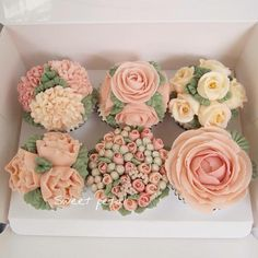 68 Ideas for cake desing buttercream flower cupcakes Gorgeous Cakes, Pretty Cakes, Amazing Cakes, Cupcakes Flores, Flower Cupcakes, Spring Cupcakes, Wedding Cupcakes, Buttercream Flowers, Buttercream Icing