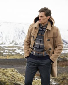 Browse a sophisticated collection of men's coats, jackets and outerwear from Brooks Brothers. Find trench coats and dress coats alongside camel hair and wool coats. Mens Duffle Coat, Walking Jackets, Stylish Raincoats, Preppy Winter, Preppy Mens Fashion, Winter Outfits Men, Well Dressed Men, Sweater Jacket, Brooks Brothers