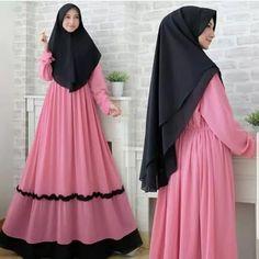Jb AFIFA SYARI AQ001 Cocok sekali buat dipakai sehari-hari. Baju ini khusus buat kalian yang pengen tampil syari Harga : 133.000 Bahan : moshcrepe Ukuran : all size fit to L  Informasi dan pemesanan hubungi kami SMS/WA +628129936504 atau www.ummigallery.com  Happy shopping Muslim Gown, Muslim Long Dress, Abaya Fashion, Muslim Fashion, Fashion Dresses, Hijab Style Dress, Casual Hijab Outfit, Islamic Clothing, Mode Hijab