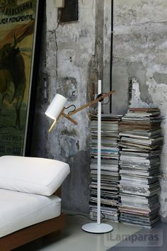 scantling p73 lampara de pie blanco (A626-001) - Marset / iLamparas.com
