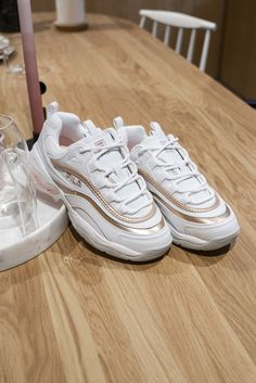 759e5aad69d Inspiration | trend | Sneakers | Omoda | Fila | Dad Sneakers | Pink | White