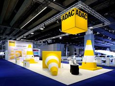 adac_iaa2013/ news/ dc designcompany gmbh/ kommunikation im raum/ messe/ event/ roadshow/ handel