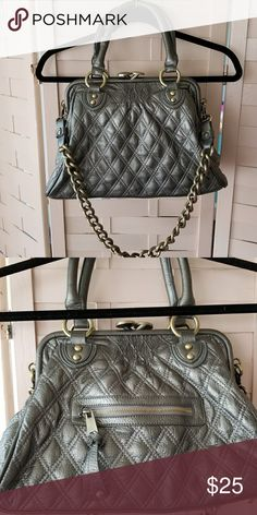 """Grey quilted bag LOVE the snap closure, makes that """"clink sound as it snaps shut. Chain shoulder strap, double handles. Great condition, inside pocket with zipper and phone pocket. 6x14x7.5 Bags Shoulder Bags"""