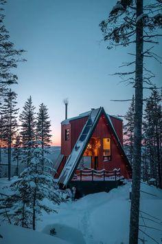 La cAbin ride&sleep - Cabins for Rent in Lac-Beauport, Québec, Canada A Frame Cabin, A Frame House, Cabin Homes, Log Homes, Tiny House Nation, Cabin In The Woods, Little Cabin, Forest House, Forest Cabin