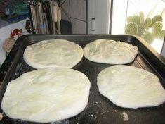 Zemiakové pagáče mojej starej mamy (fotorecept) - obrázok 5 Main Meals, Mashed Potatoes, Quiche, Food And Drink, Pudding, Bread, Homemade, Cookies, Baking