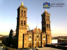 EL MEJOR HOTEL EN PUEBLA. En Best Western Real de Puebla, le invitamos a hospedarse con nosotros y disfrutar de la belleza que caracteriza a la capital. En el Centro Histórico de la ciudad, encontrará recorridos en turibús que lo llevarán a descubrir los sitios más representativos de este hermoso lugar. #hotelenpuebla