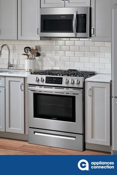 Frigidaire 5 Burners ft Self-Cleaning Freestanding Gas Range (EasyCare Stainless Steel) (Common: Actual: at Lowe's. This Lowe's Exclusive is similar to model # but has an EasyCare™ Stainless Steel finish that resists fingerprints and is easy to clean Kitchen Stove, Kitchen Appliances, Small Appliances, Open Kitchen, Kitchen Reno, Country Kitchen, Kitchen Cabinets, Microwave Above Stove, Lac Saint Jean