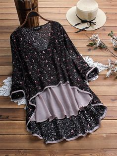 Plus Size Top Floral Print Long Sleeve V Neck Blouse With High Low Hem. Bohemian Blouses, Mode Hijab, Blouse Styles, Fashion Outfits, Womens Fashion, Fashion Fall, Pattern Fashion, Blouses For Women, Designer Dresses