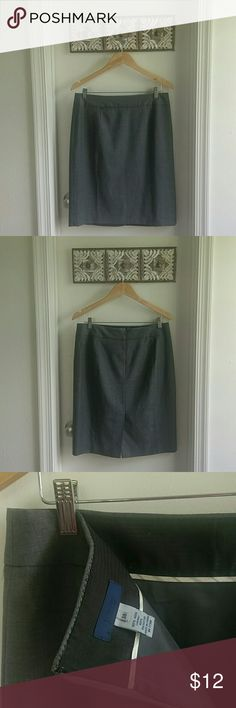 J. Crew Super 120's wool skirt 100% wool with lining. Knee length skirt.A great everyday business wear essential! J. Crew Skirts Pencil