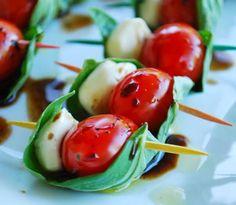 ingredientes: Canonigos, mozarella búfala y tomate cherry Tapas originales