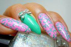 Sassy Paints: Funky Leopard Print nails