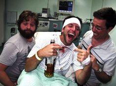 Se beber não case - 2009 Zach Galifianakis, Bradley Cooper,Ed Helms. Funny Movies, Great Movies, Funniest Movies, Awesome Movies, Movies Showing, Movies And Tv Shows, Love Movie, Movie Tv, Ed Helms