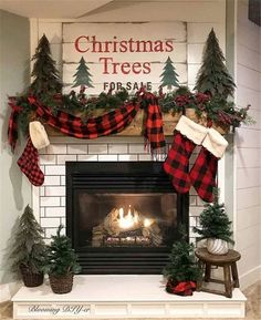 If you have a fireplace in your home, the mantel should be adorned with Christmas decorations to help make your home feel warm and festive. decorations Baby It's Cold Outside: 20 Christmas Mantel Ideas For Winter Warmth Christmas Mantels, Plaid Christmas, Winter Christmas, Christmas Home, Merry Christmas, Christmas Fireplace Decorations, Christmas Bedroom, Christmas Tables, Nordic Christmas
