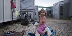 الأمم المتحدة تعرب عن قلقها ازاء أوضاع اللاجئين في مراكز الاستقبال اليونانية أعربت الأمم المتحدة يوم 10 فبراير 2018 عن قلقها بشأن أوضاع اللاجئين في مراكز الاستقبال في اليونان، حيث أشار عدد كبير منهم إلى أنهم تعرضوا للتحرش الجنسي والعنف.  وفقا للبيانات الواردة في التقرير الأممي فإن حوالي ثلث من مج
